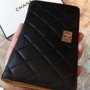 Auth CHANEL- Quilted Long Bifold Leather Wallet